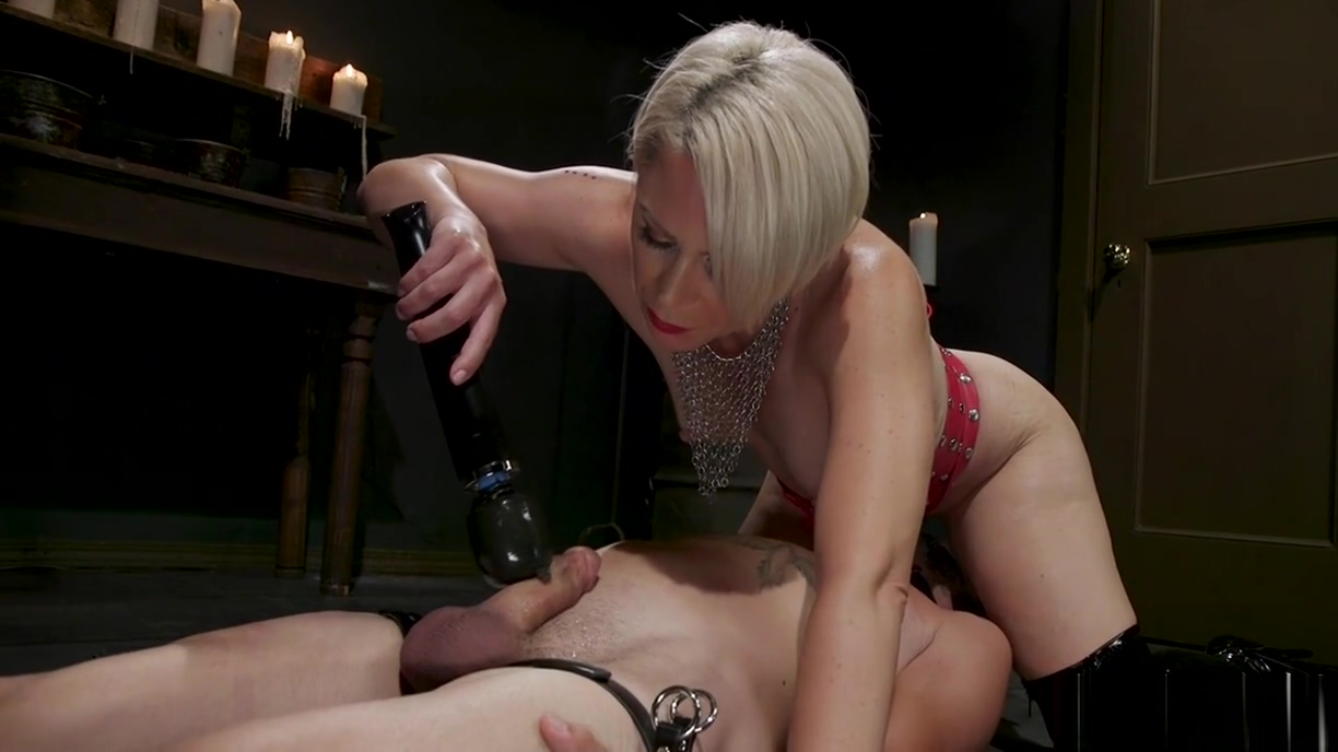 Milf in latex dominates man slave